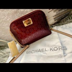 BRAND NEW. Michael Kors Cindy large dome crossbody